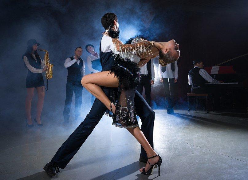 Румба девка в стрингах танец, вдвоем пухленькую порно