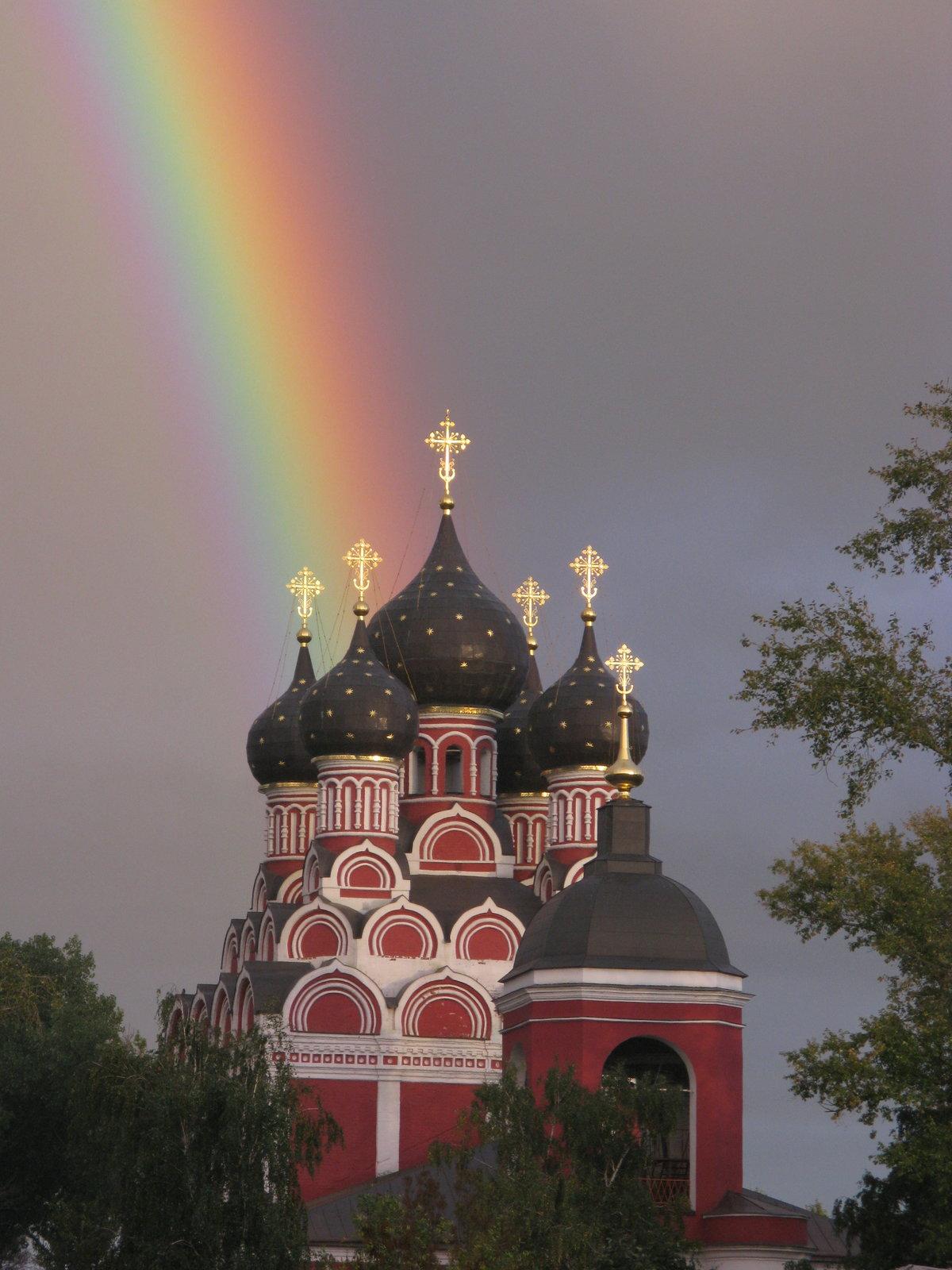 Дождь над храмом картинки