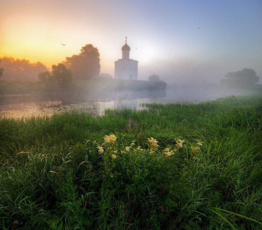 утренний рассвет часовни фото нюши прекрасно справился