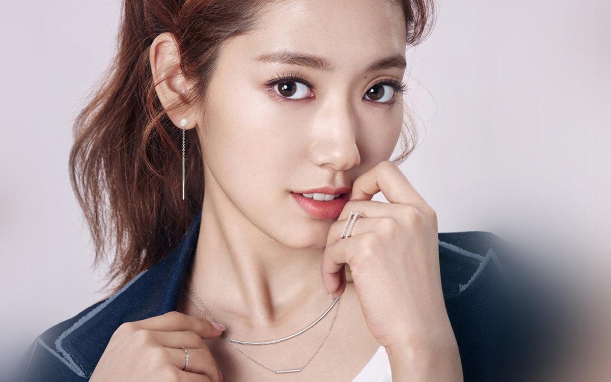 Korean bare actress