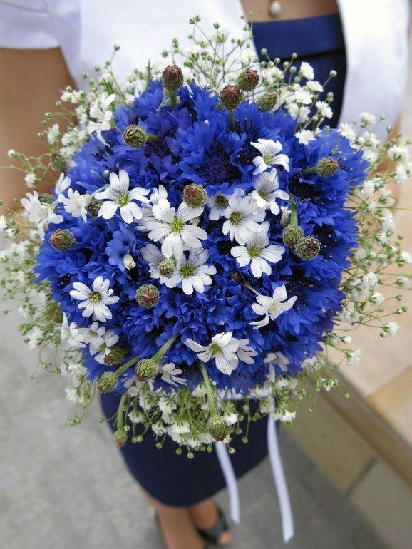 Букеты невесты ромашки васильками