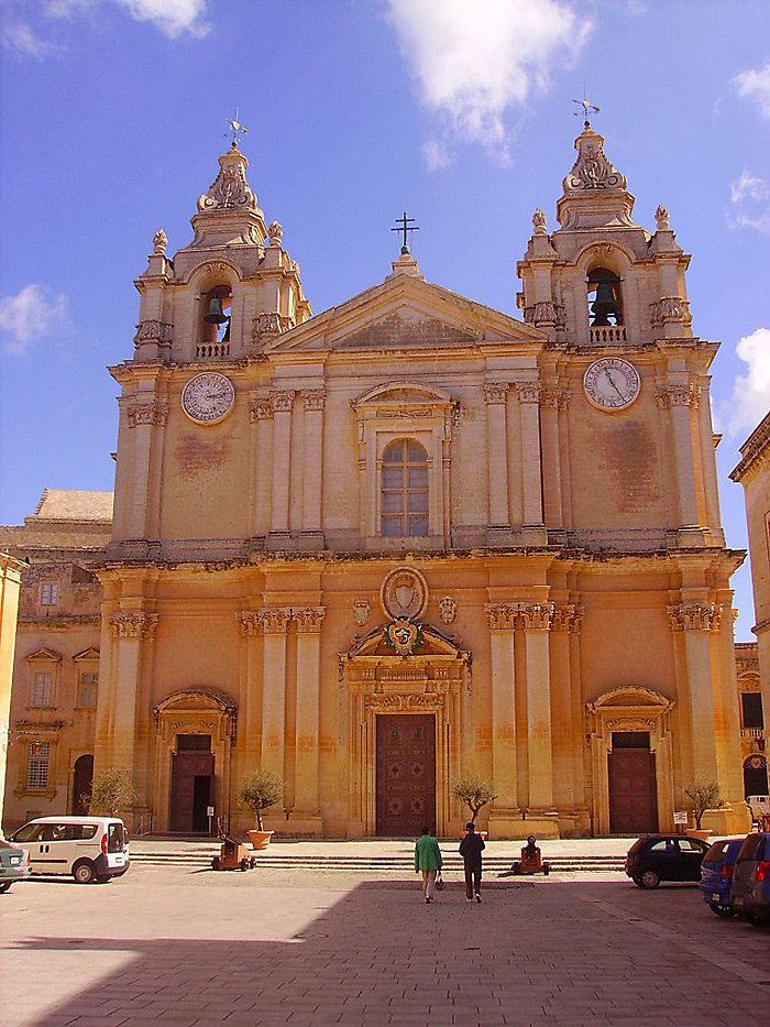 st pauls cathedral mdina - 700×933
