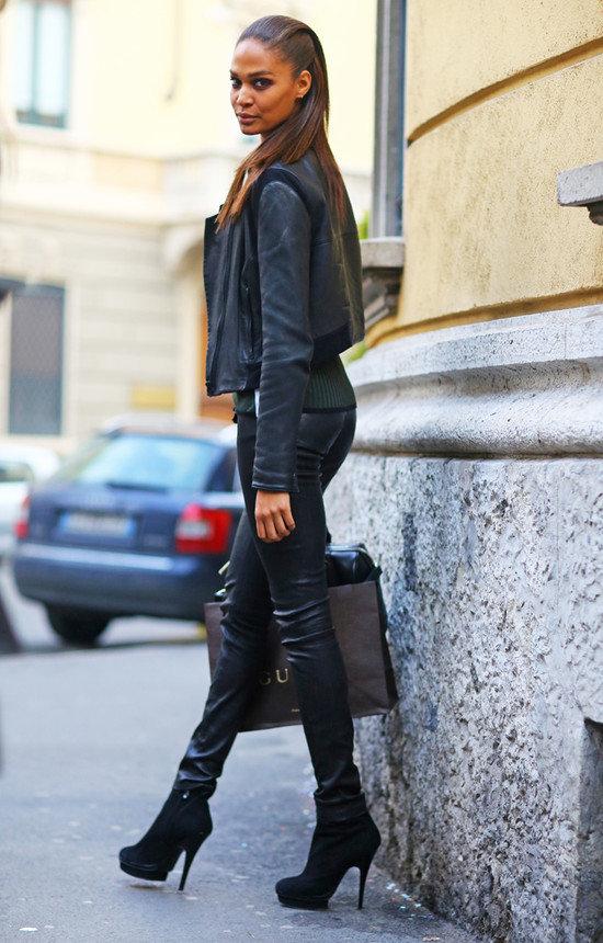 Девушки в кожаных брюках фото на улицах города #10