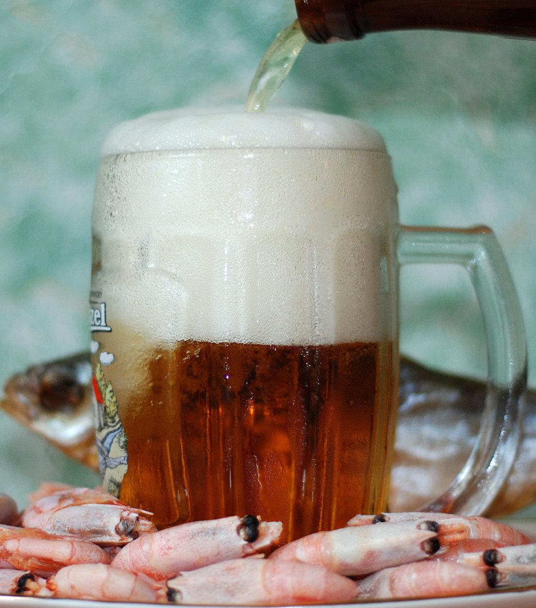 горнолыжного картинка пенящегося пива вашим опытом