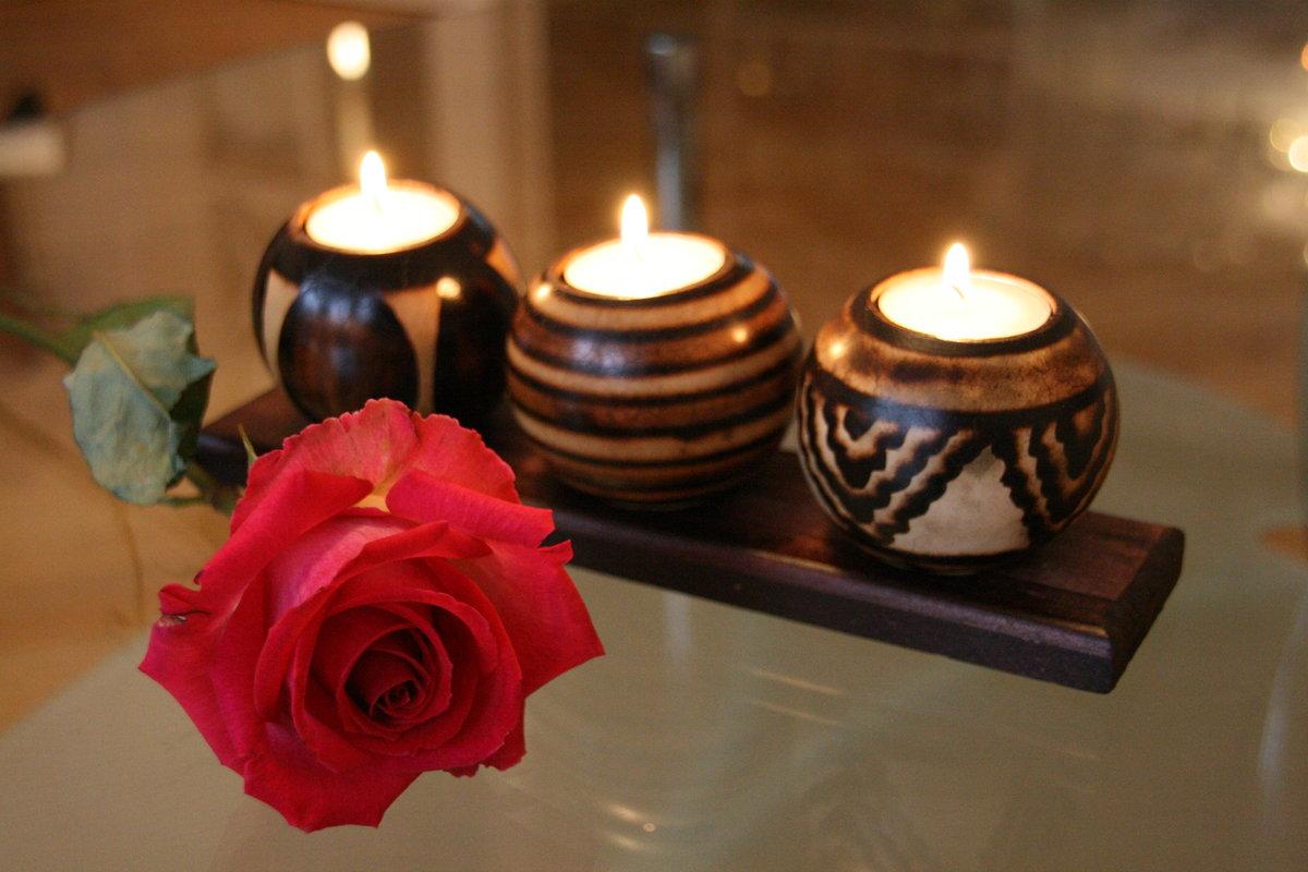картинки с розами и свечами даже начальная