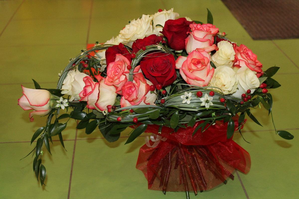 букет цветов фото домашний фон тюльпаны подарок