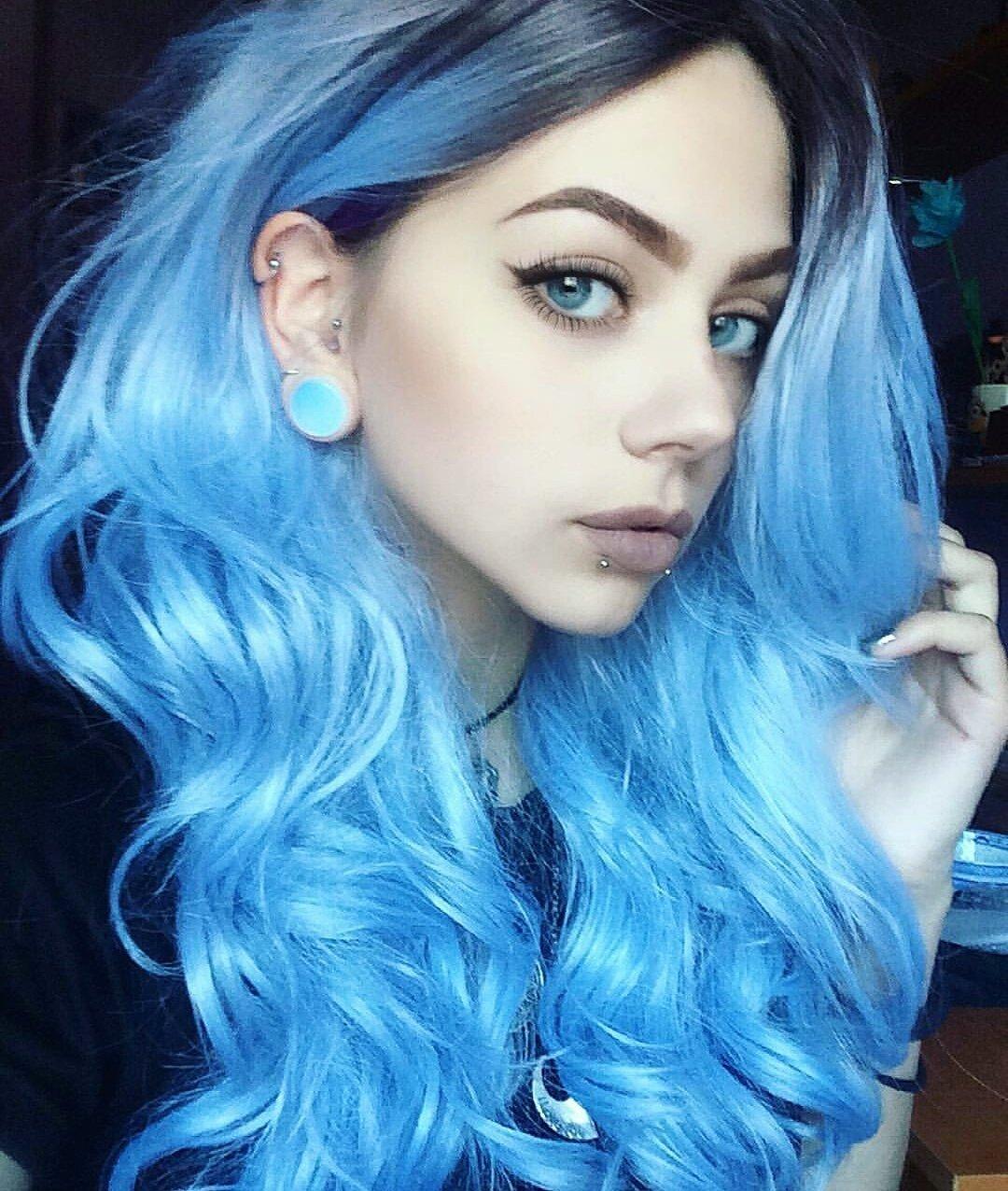 фото с синими волосами