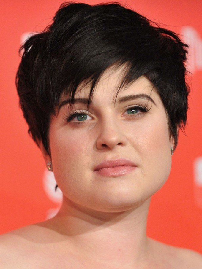 Short hairstyles for chubby girls 5