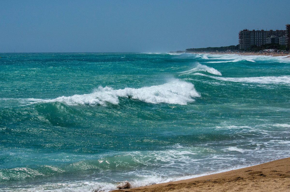 Картинка волнующегося моря
