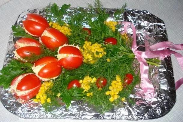 Салат из помидоров праздничный