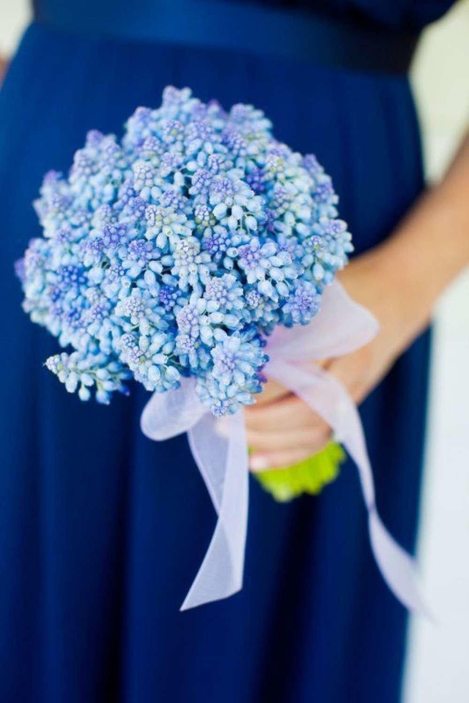 Свадебные букеты из синих гиацинтов, роз для букет