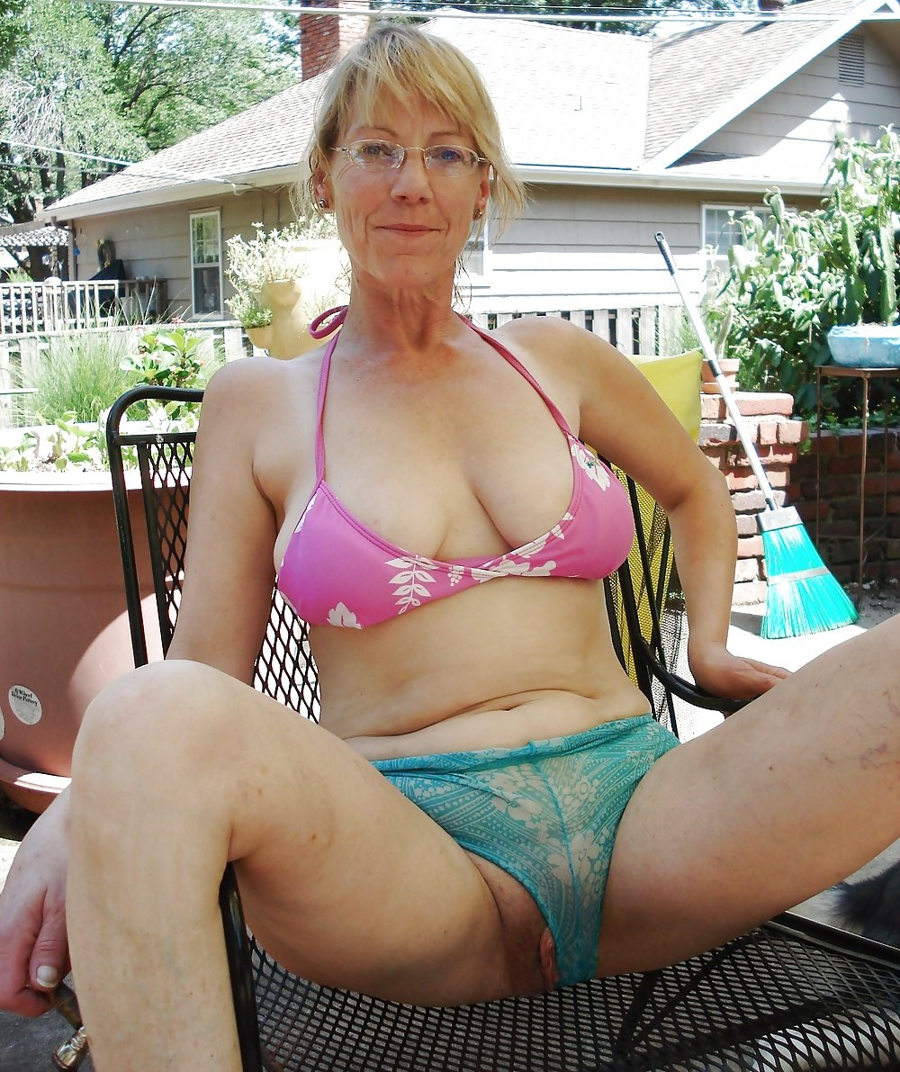 Older babes panties gallery — photo 1