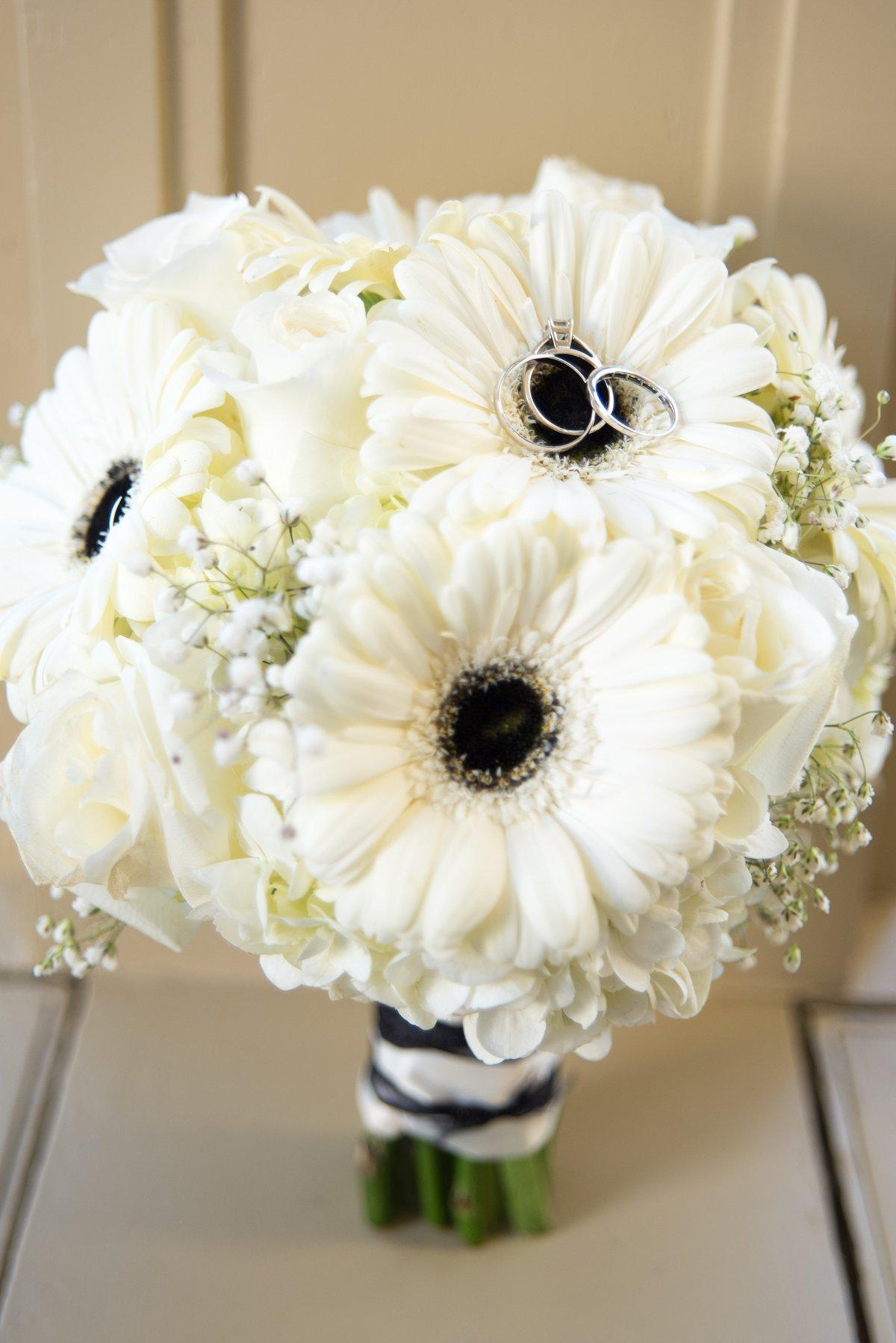 Свадебный букет белая герберы фото, цветов астана пионы