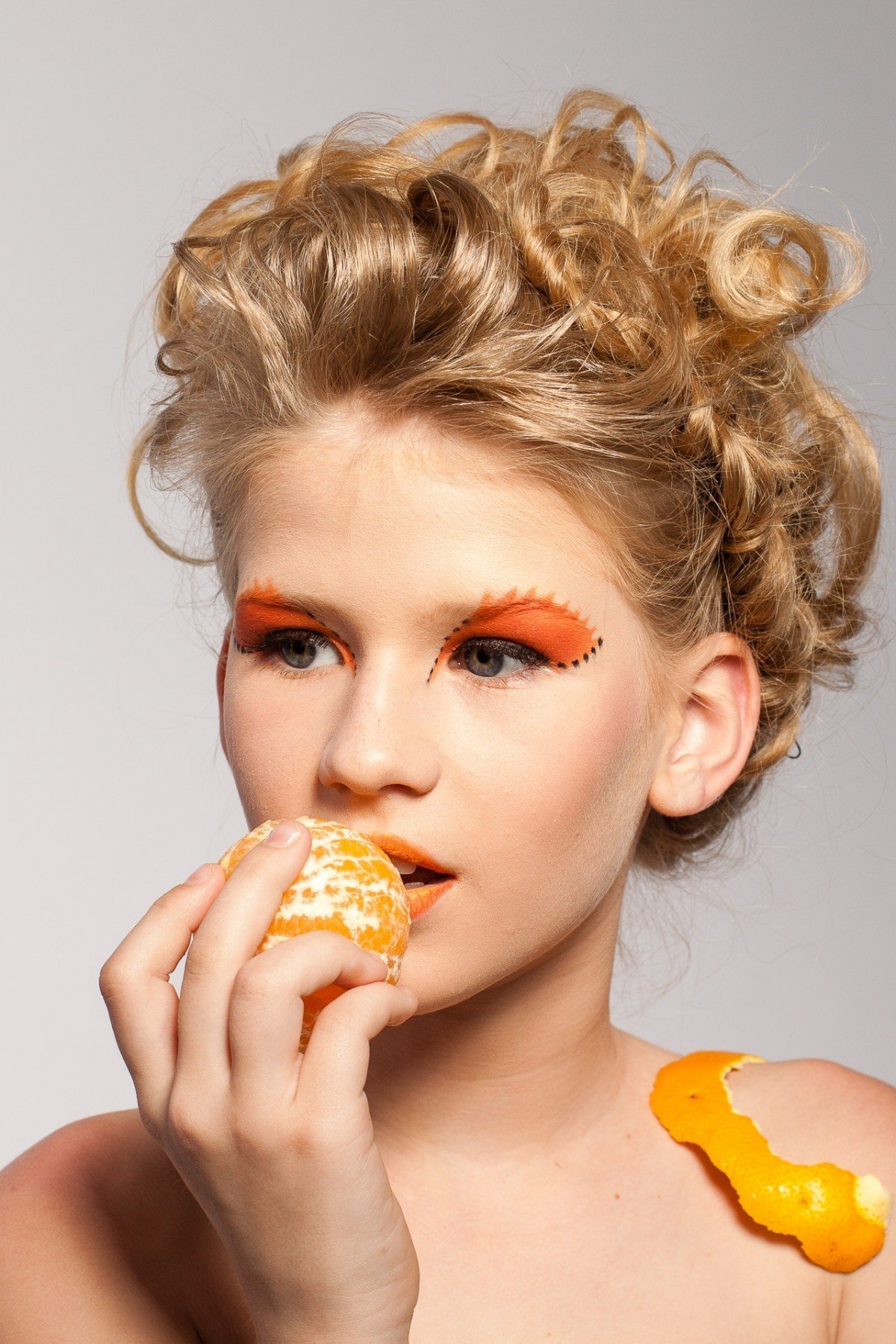 изготовление картинки макияж с фруктами это