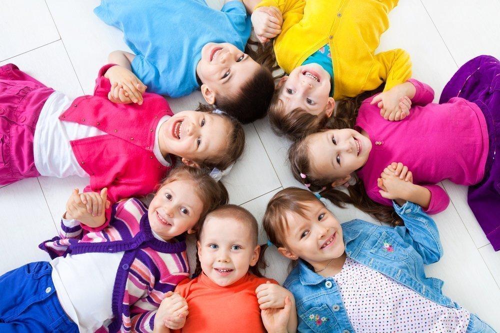 Много детей в картинках