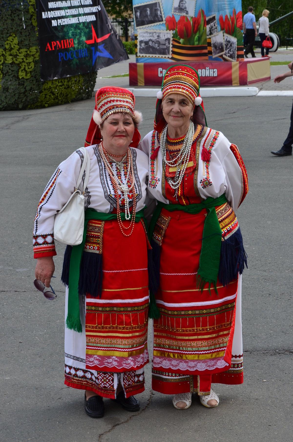 Мордва народные костюмы картинки