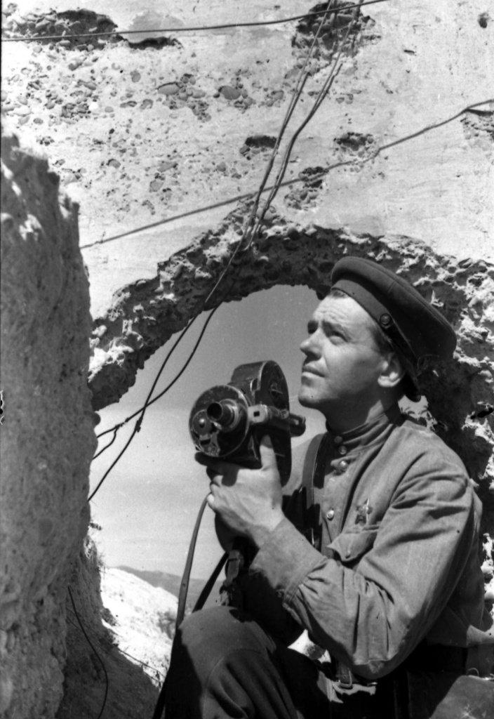 фото военных корреспондентов банку подходящего