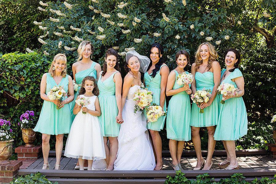 Наряды на свадьбу для гостей картинки