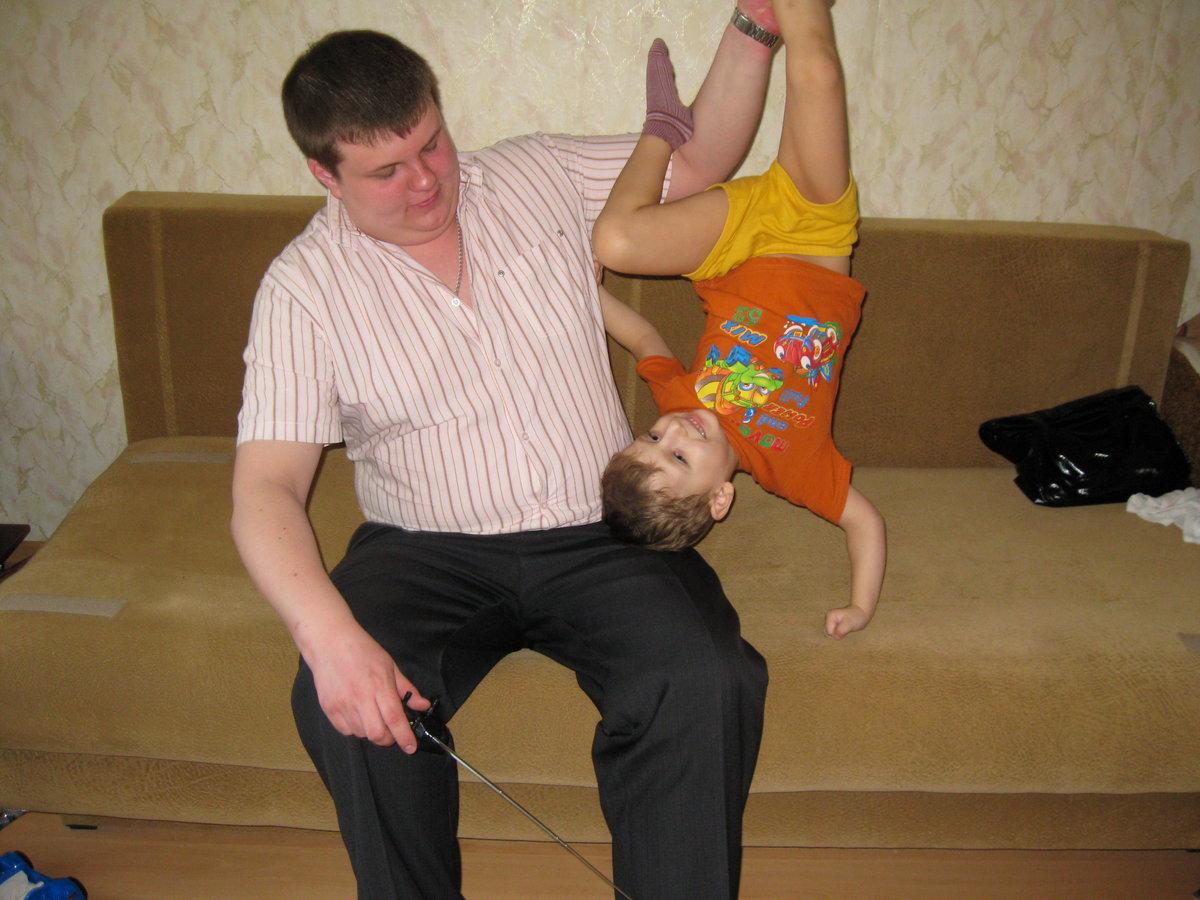 Русский дядя трахает свою племянницу, Дядя трахается с родной племянницей - Порно инцест 15 фотография