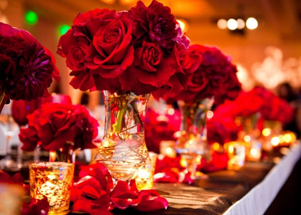 Picture Of Red And Gold Wedding Decor Theme