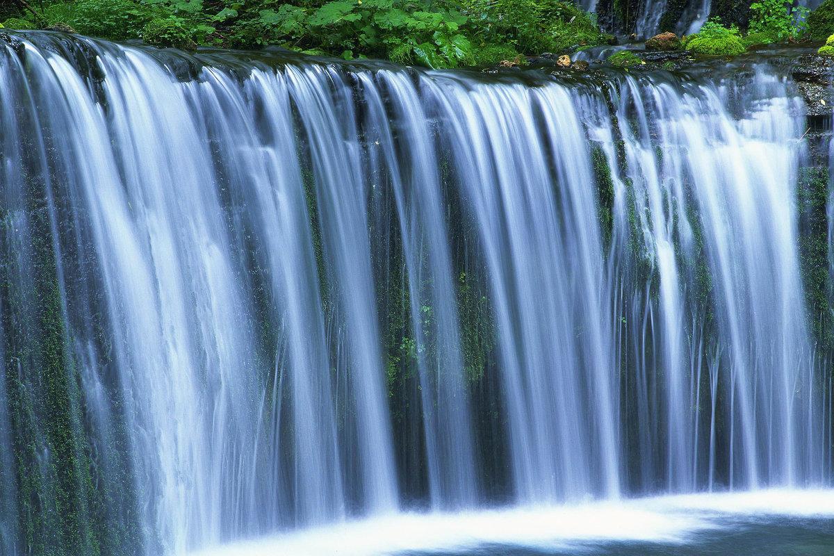 пристенные стеллажи фотография показывающая удивительную красоту воды каркасное строительство позволило