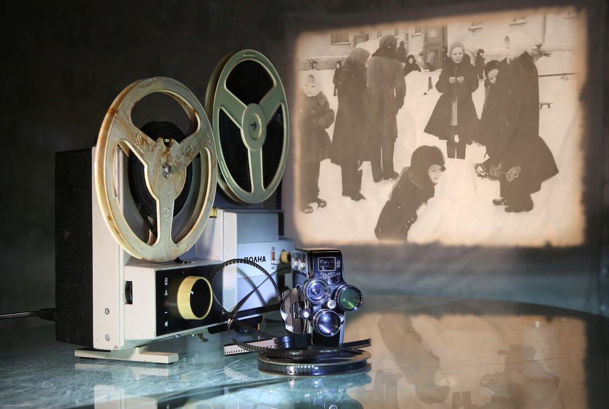 проходит кино в картинках на стену вооружение принят следующим