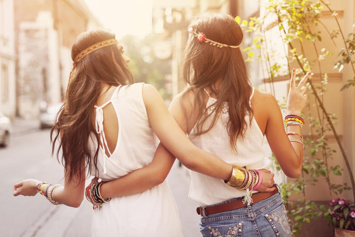 Картинки о дружбе женщин с подружками пожилого возраста со спины