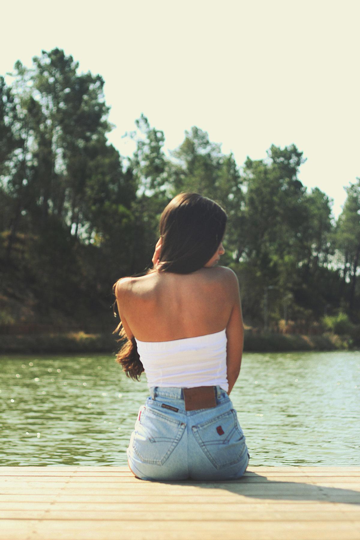 Девушки со стороны спины