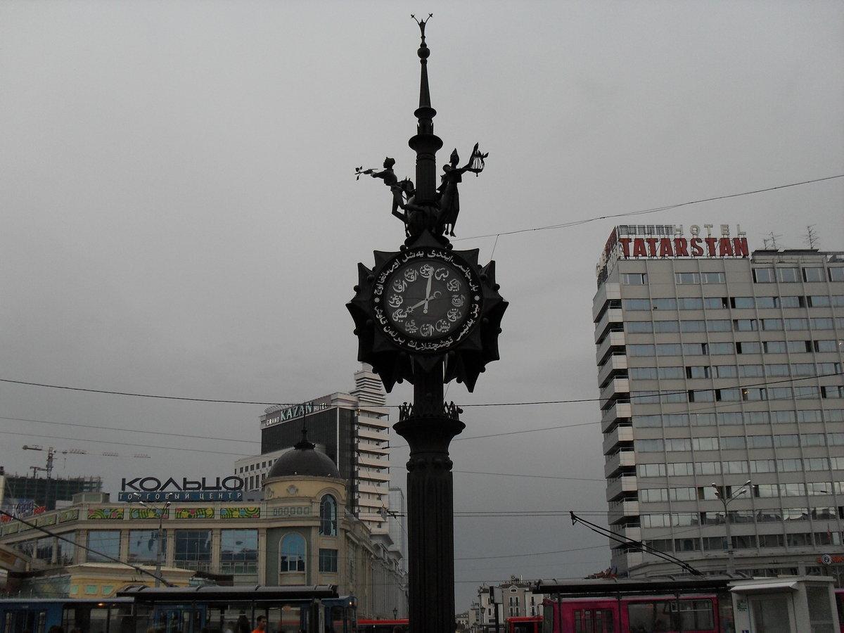 Когда в году скульптор игорь башмаков задумал свою архитектурно-скульптурную композицию на тему стихотворений габдуллы тукая, то столкнулся с тем, что его творению не хватало национального колорита.