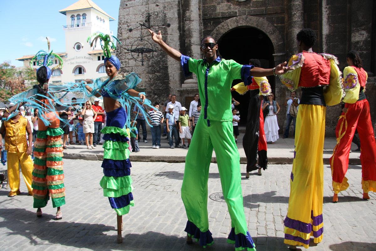 отец кубинский карнавал фото или