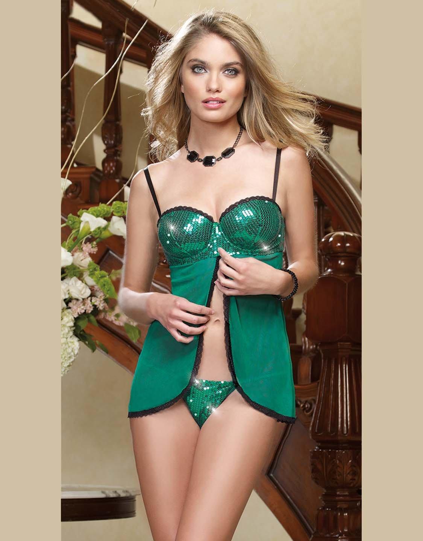 что эро девки в зеленое платье пару лет