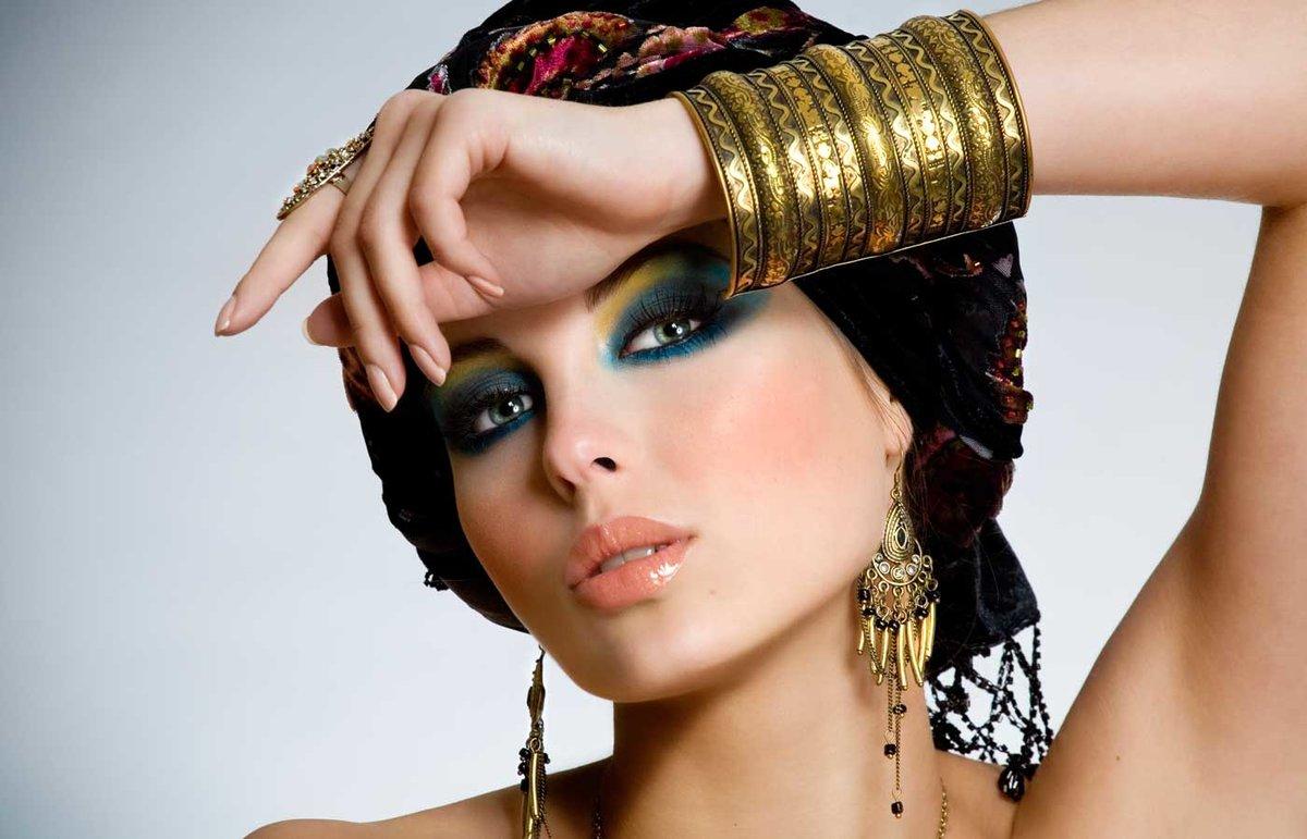 Красивое фото восточных девушек #12