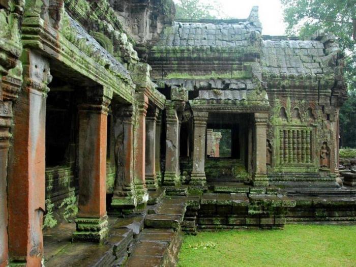 Самый крупнейший Ñрамовый комплекс Ангкорвоат наÑодится в Камбодже