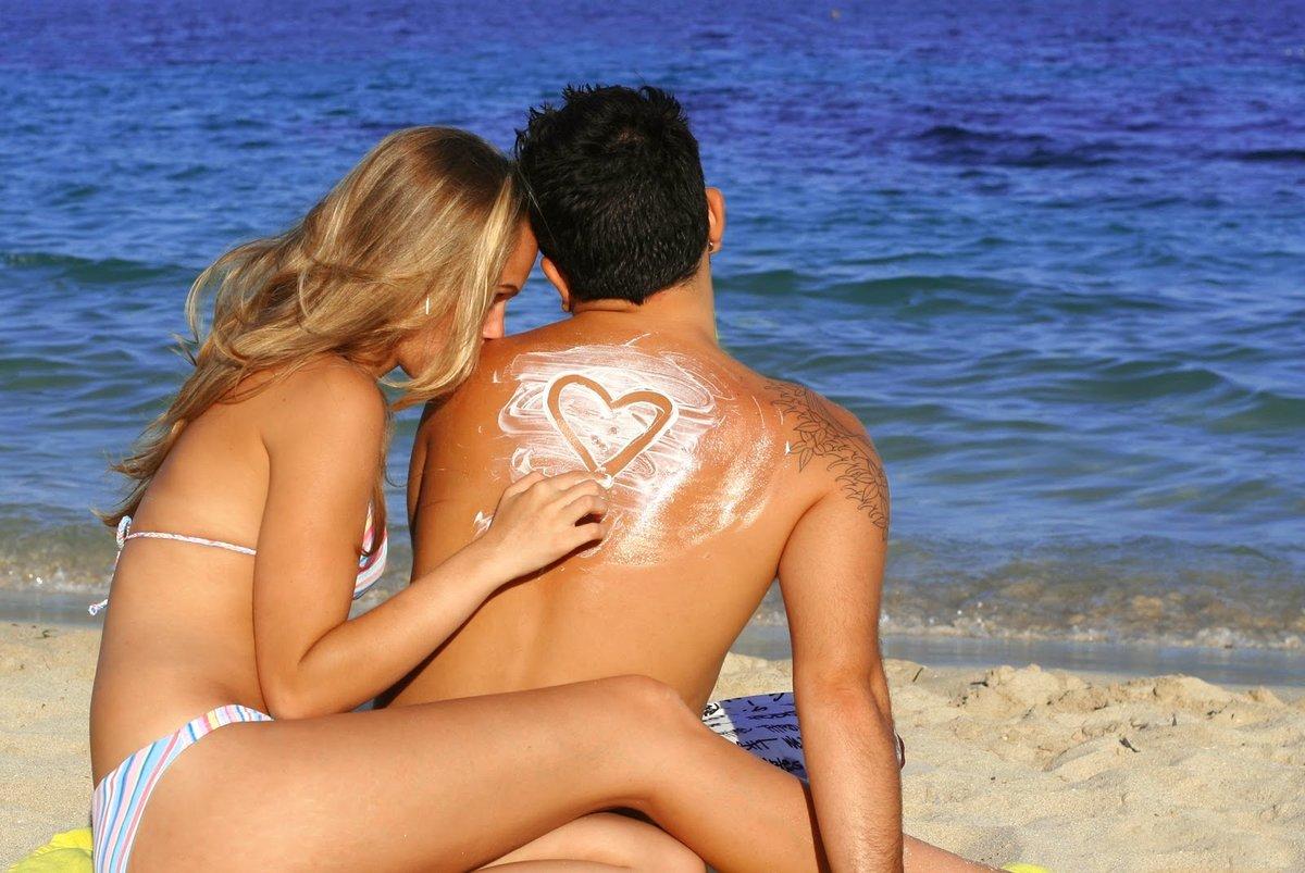 Видео как мужчина и женщина показывают свой интим на пляже — img 2