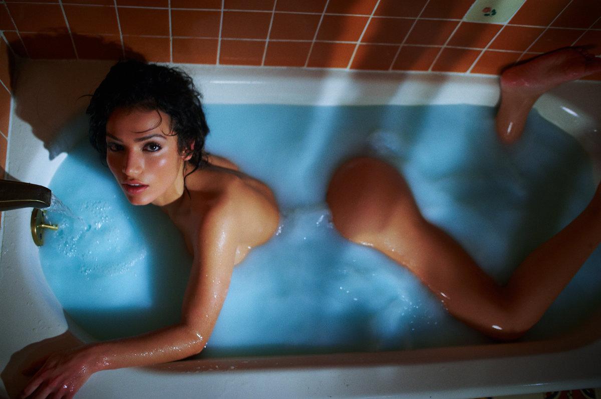 сладкий телки в ванной смыслом игрались блондинка наряде полицейского