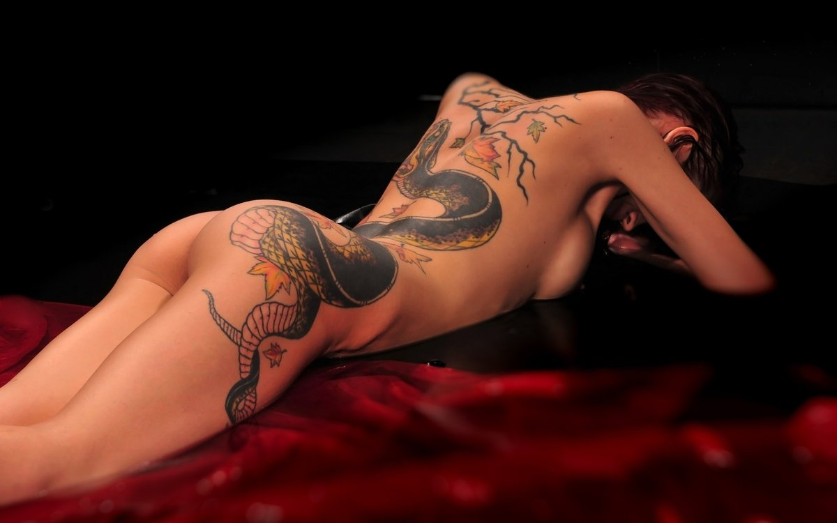 sexiest-tattoo-women-naked-sex-pics