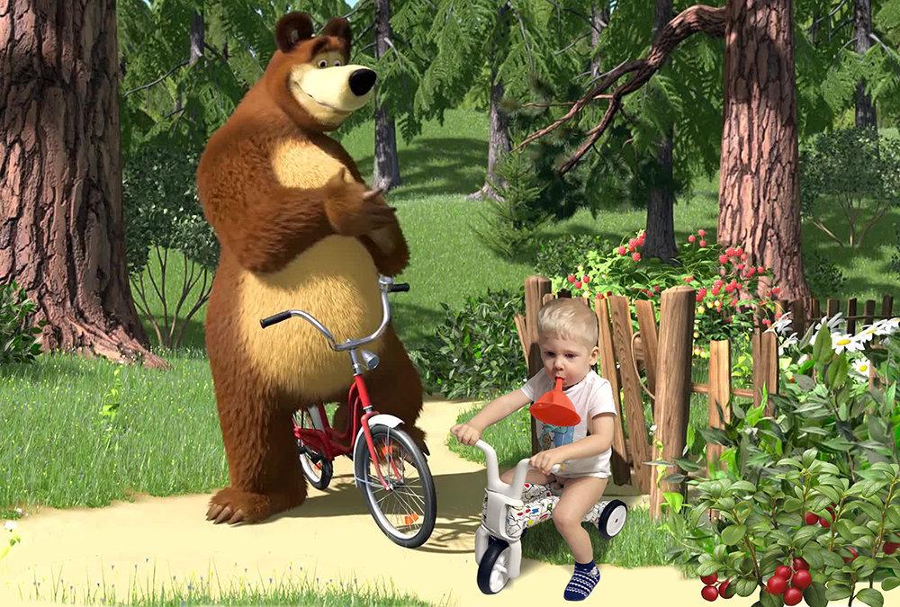 Картинки маша и медведь маша на велосипеде