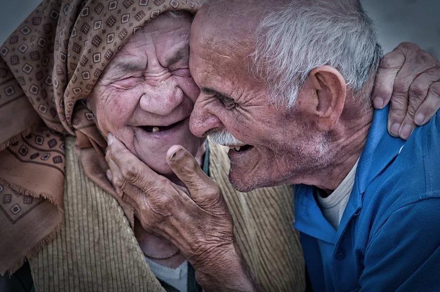 Старый человек в картинках смешных