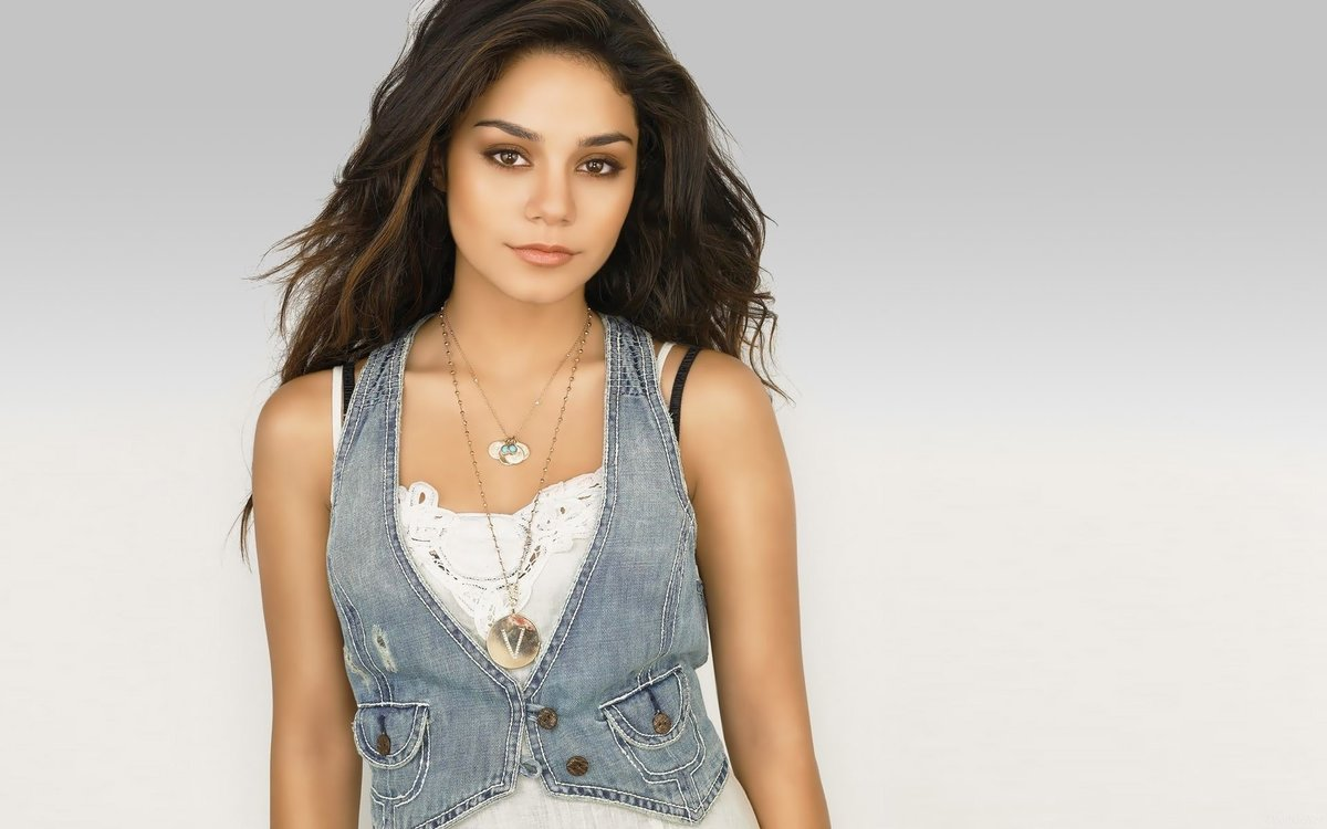 Vanessa hudgens naked pics picture 27