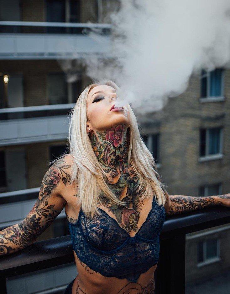 Фото с татуировками на аву