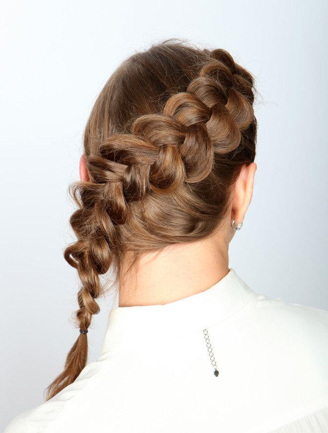 бандерас один внутренняя коса в картинках привлекают внимание большими