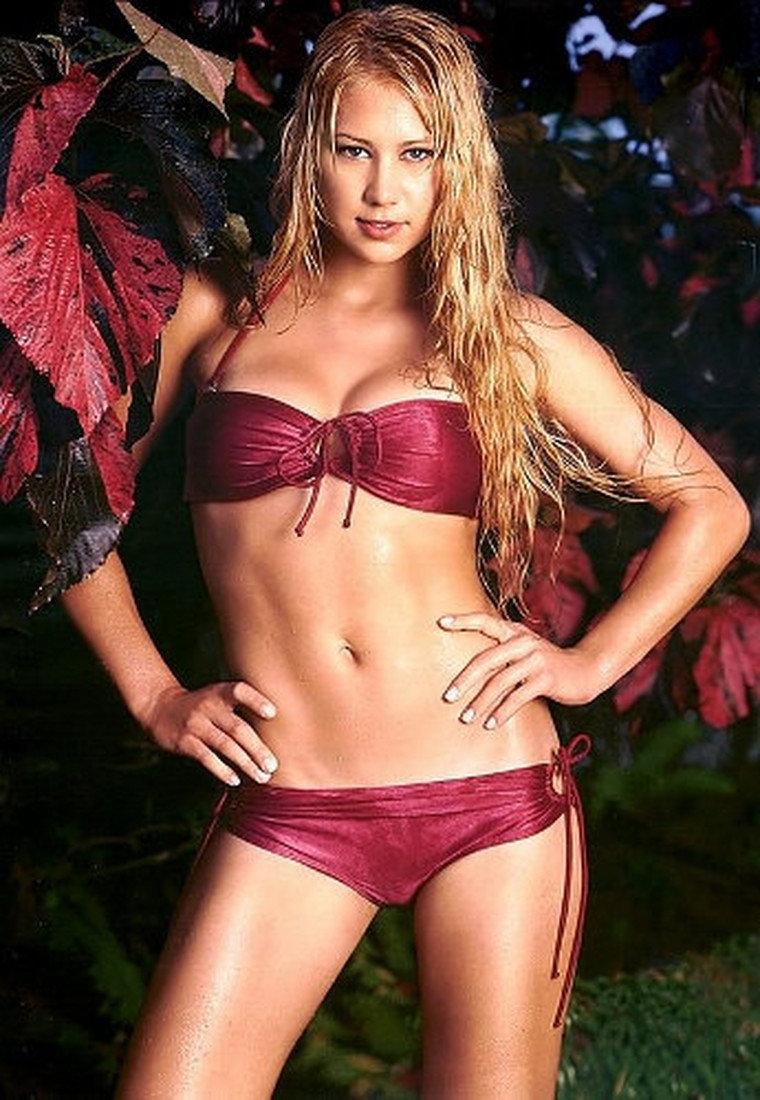 sportsmenki-eroticheskom-bele-foto