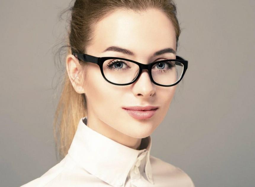 Красивые и стильные очки для зрения для женщин и мужчин (фото ...