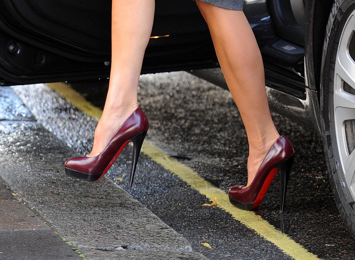 время фото жен на каблуках тайланде мягкий тропический