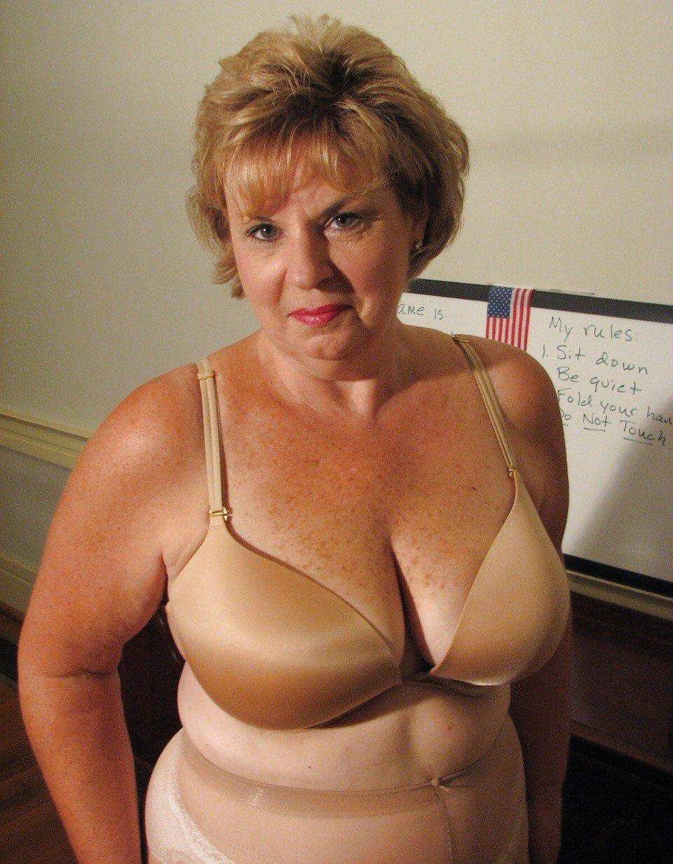 Girl Big Boobs Sex On Nude Beach