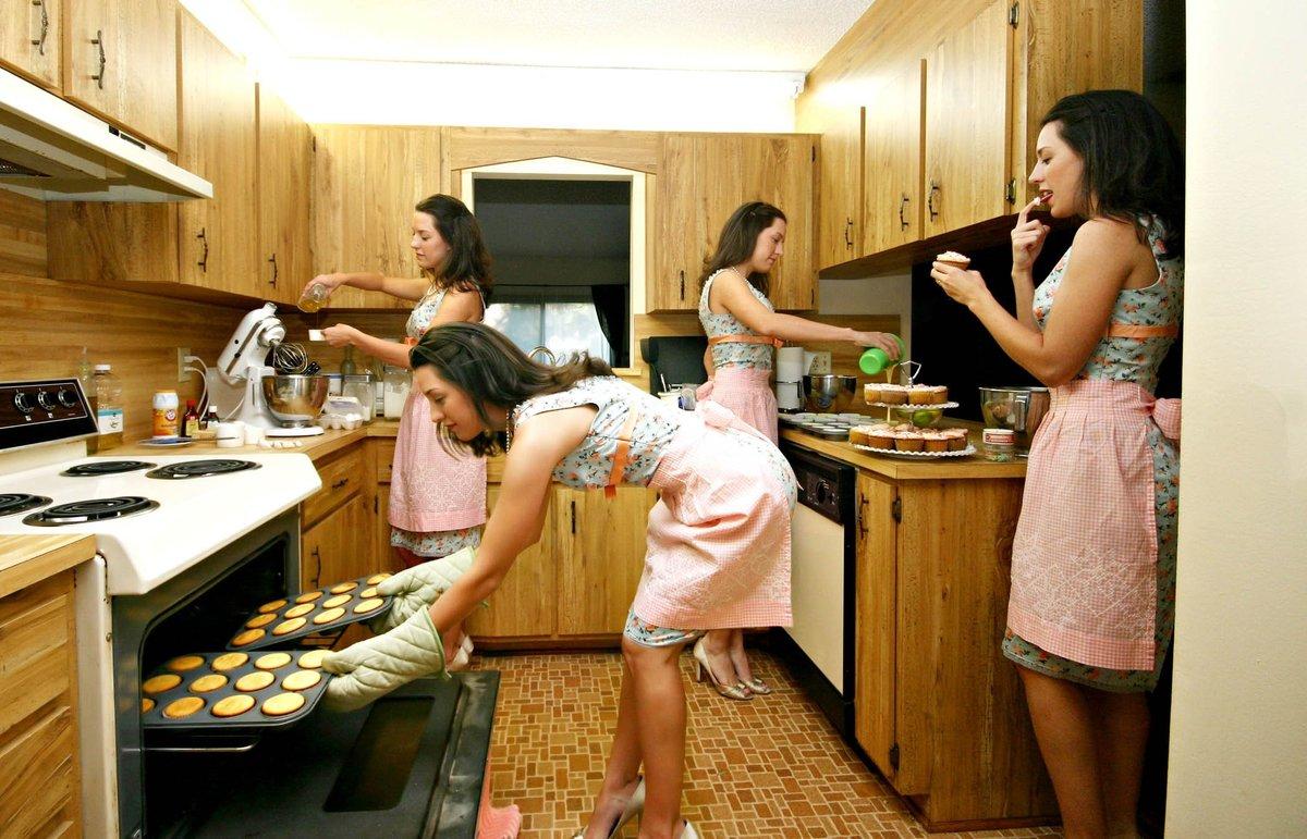 Картинки прикольные женщина на кухне