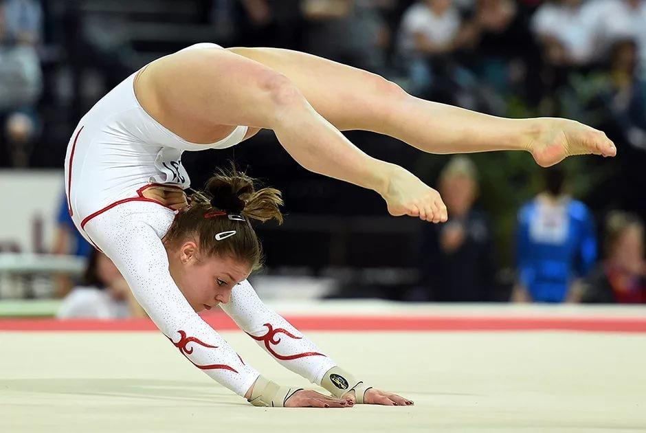 Гимнастки спорт фото