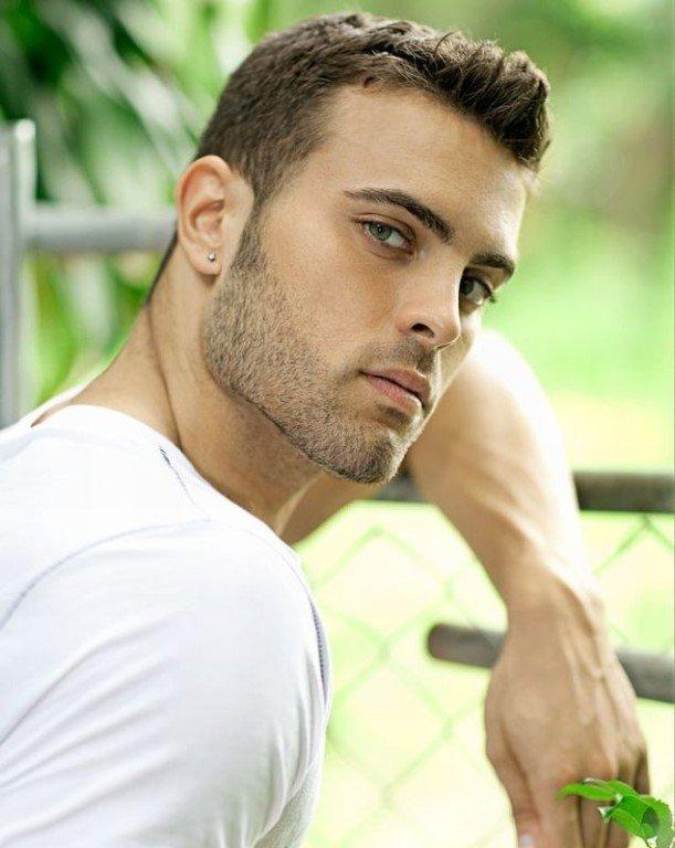 сайте фото красивых мужчин любые большое количество различных