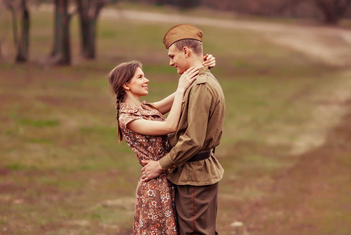 Фото в военной форме мужчины и женщины