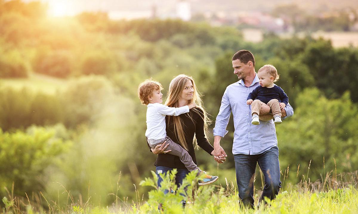 Месяцев, картинки семья любовь
